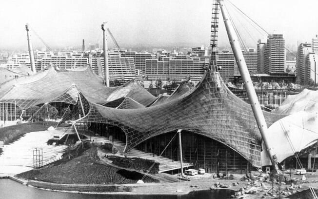 A vista do Estádio Olímpico com o toldo en forma de lagarta, desenhado pelo arquiteto de Stuttgart, professor Gunter Behnisc