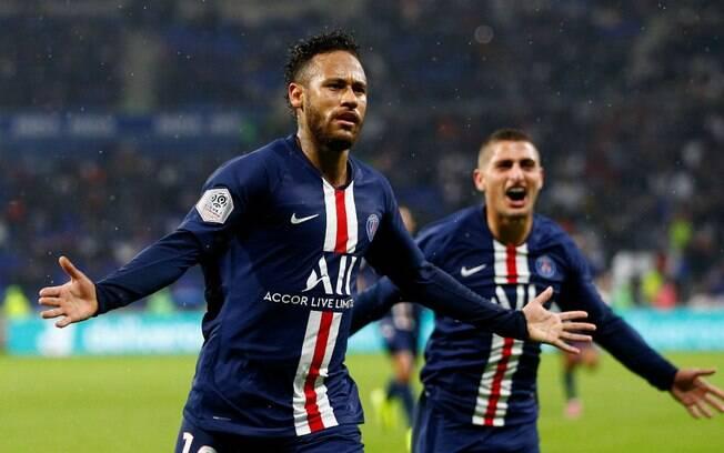 Neymar fez o gol da vitória do PSG sobre o Lyon no fim