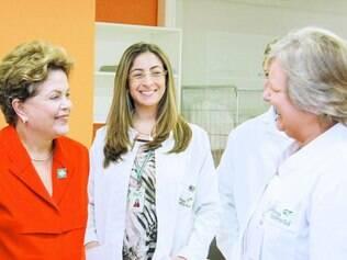 Entrega. Após inaugurar Hospital da Restinga ainda em obras, a mineira Dilma recebeu o titulo de cidadã honorária de Porto Alegre