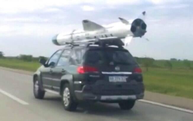 Fiat Palio Weekend com míssil coloca Marea no chinelo viraliza nas redes sociais pelas cenas inusitadas