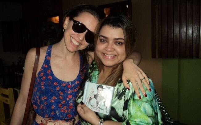 Preta Gil posou com o novo CD de Roberta Sá,