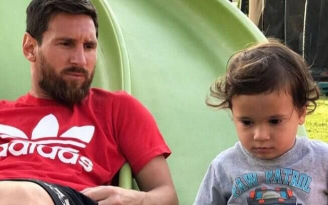 Messi e o filho Mateo, de 03 anos