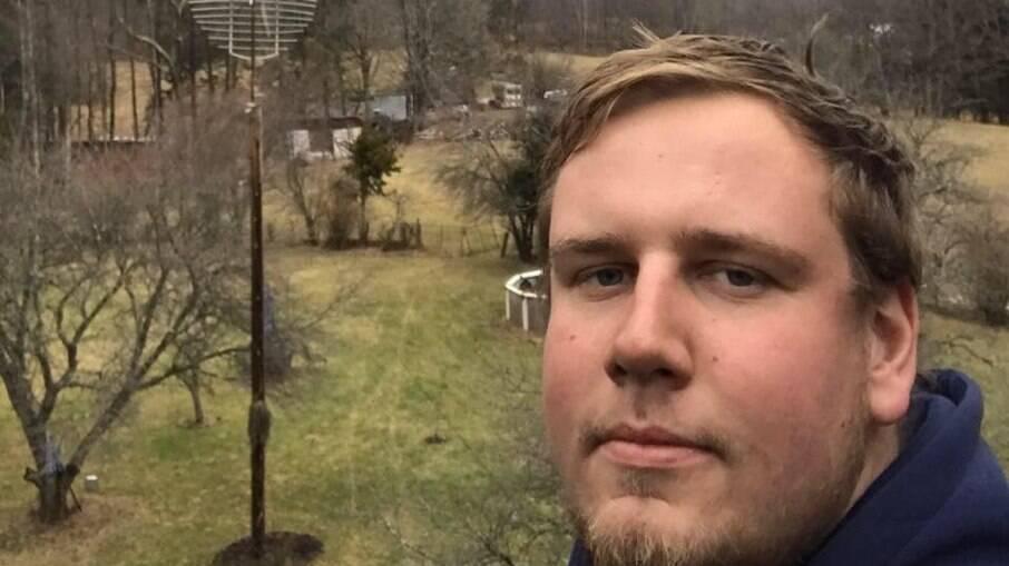 Pai morre ao montar dispositivo para chá revelação de primeiro filho nos EUA