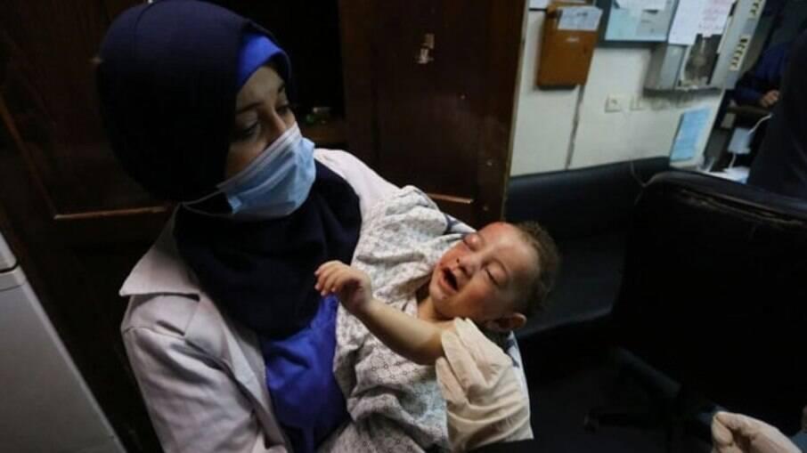 Omar Al-Hadidi perdeu sua mãe, sua tia, quatro irmãos e quatro primos
