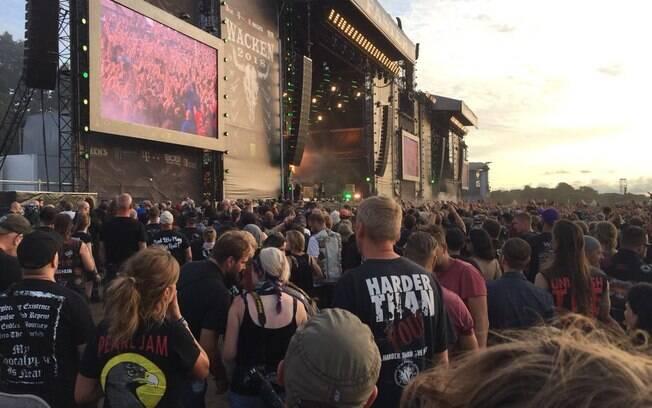 O festival de heavy metal recebeu dois convidados inesperados, que decidiram fugir da casa de repouso