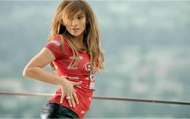 Jennifer Lopez também está tendo aulas de samba para não fazer feio na Sapucaí