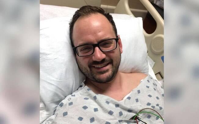 homem no hospital