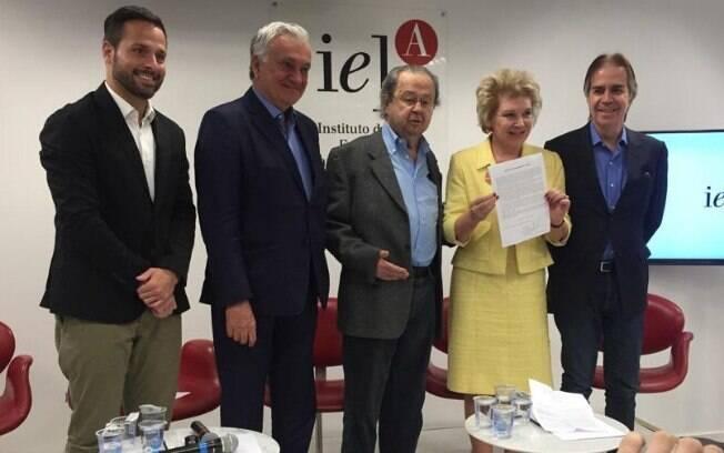 Ex-ministros da Cultura apresentam manifesto