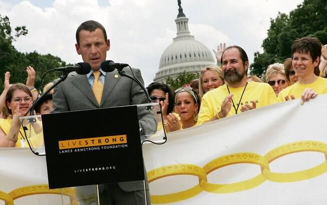 O norte-americano se afastou do esporte  depois do sétimo título e seguiu com campanhas e  sua instituição para vítimas de câncer