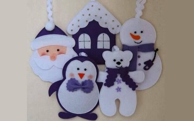 Além da almofada de Natal, ainda é possível criar enfeites com outras cores para sentir o clima natalino