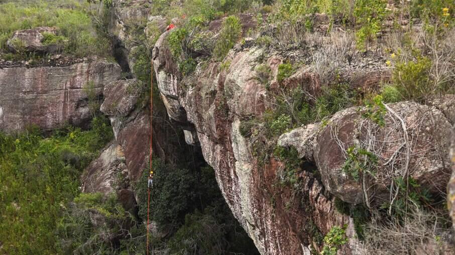 Gruta do Lapão, são 50 metros de pura adrenalina