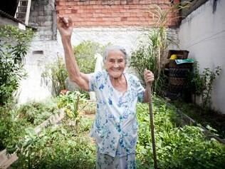 Maria José dá a receita para os seus 100 anos: 'não tomo refrigerante e mantenho a mente ativa'
