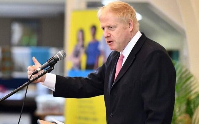 Ex-secretário de Relações Exteriores, Boris Johnson é favorito a assumir função de Theresa May por Brexit