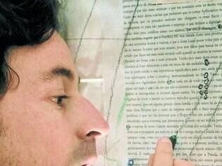 Versátil: Emílio Orciollo Netto retrata experiencias de seis homens