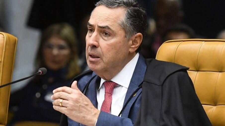 Luís Roberto Barroso, ministro do Supremo Tribunal Federal (STF), ordenou abertura da investigação sobre possível omissão do governo federal na pandemia