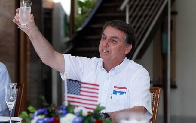 Bolsonaro e a família receberam um pedido dos EUA para ficar de fora das eleições estadunidenses