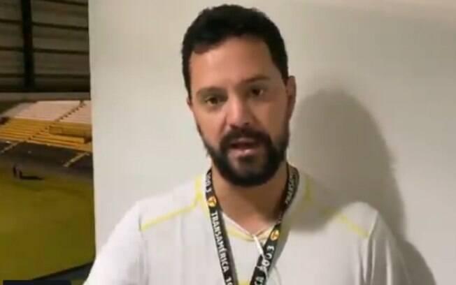Repórter foi detido durante jogo