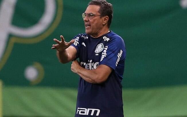 Vanderlei Luxemburgo deixa o comando do Palmeiras