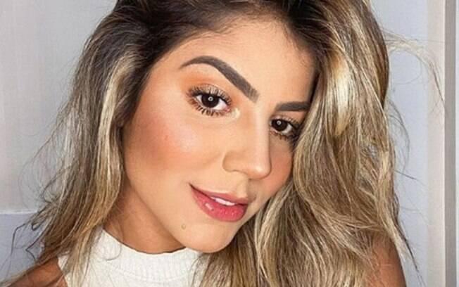 Hariany Almeida conta sobre seu processo de aceitação das estrias
