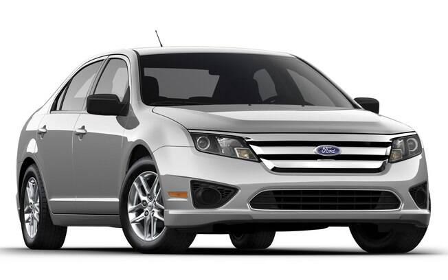 Ford Fusion S: sem bancos de tecido, faróis auxiliares de neblina, entre outros itens, sedã mais simples não veio ao Brasil