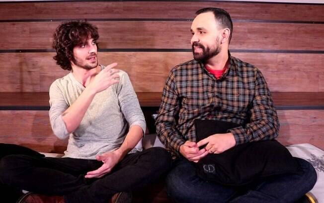 Fiuk dá entrevista ao jornalista Alvaro Leme