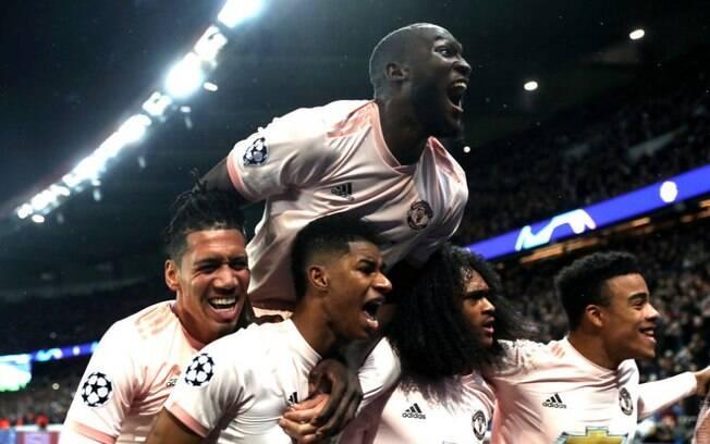 Com gols de Lukaku e Rashford, United se classifica para as quartas de final da Liga dos Campeões