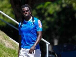 Tinga está pronto para introduzir estrangeiros aos demais companheiros de Cruzeiro