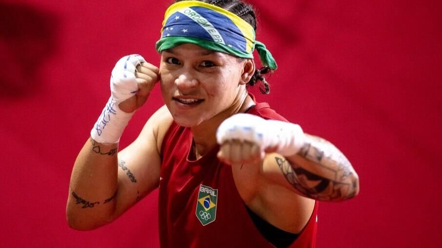 Bia Ferreira fica com a prata no boxe
