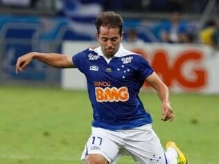 Nike aumenta cota de patrocínio de Everton Ribeiro, tido como um dos melhores jogadores do Brasileirão deste ano