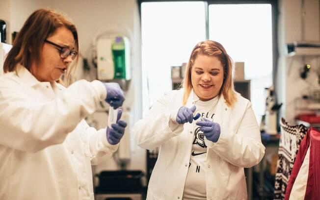 Em Tacoma (Washington), o turista pode transformar o próprio DNA em um colar