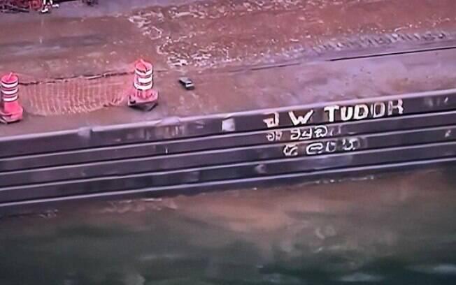 Grave acidente aconteceu por conta das fortes chuvas que castigaram o Rio nesta quarta-feira
