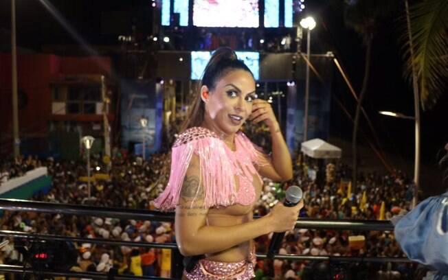 Aline Rosa participou do bloco Chá Rosa, no carnaval de Salvador, na Bahia