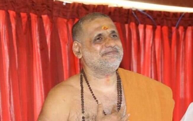 Em coletiva de imprensa, guru Swamy Gangeshananda não quis comentar sobre tentativa de estupro ocorrida em 2017