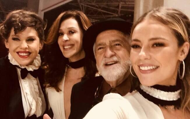 Ary Fontoura ao lado de Paolla Oliveira, Cláudia Raia e Bárbara Paz