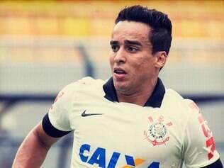 Jadson está emprestado ao Corinthians pelo São Paulo
