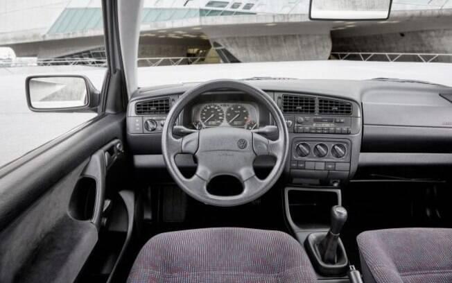 VW Golf III vinha com airbag duplo de série, algo que seria obrigatório nos modelos nacionais a partir de 2014