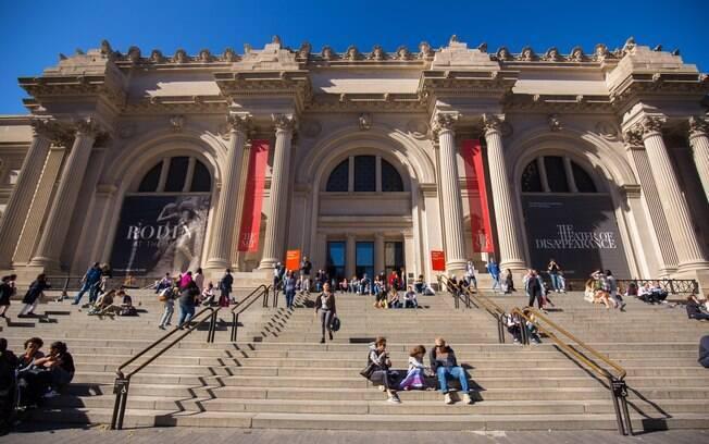 Escadaria e fachada do Metropolitan Museum of Arts