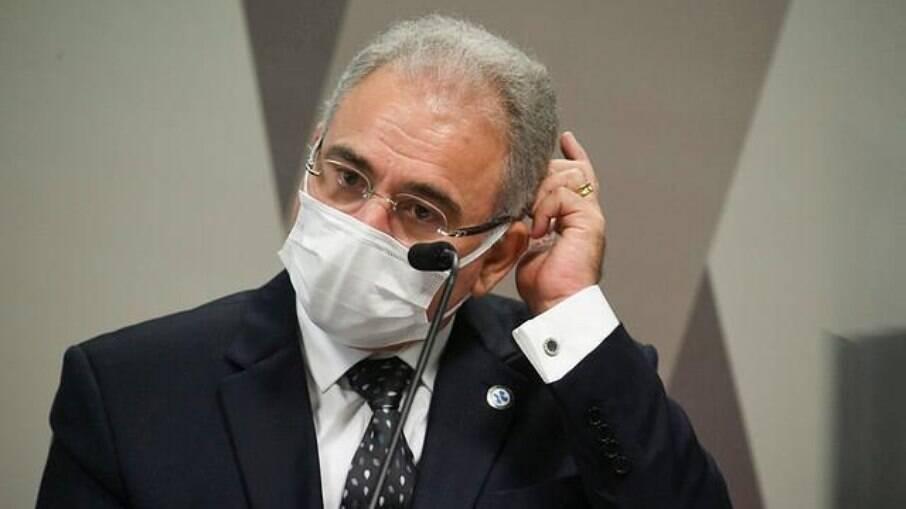 Ministro da Saúde Marcelo Queiroga disse que desobrigação do uso de máscaras ainda está em discussão