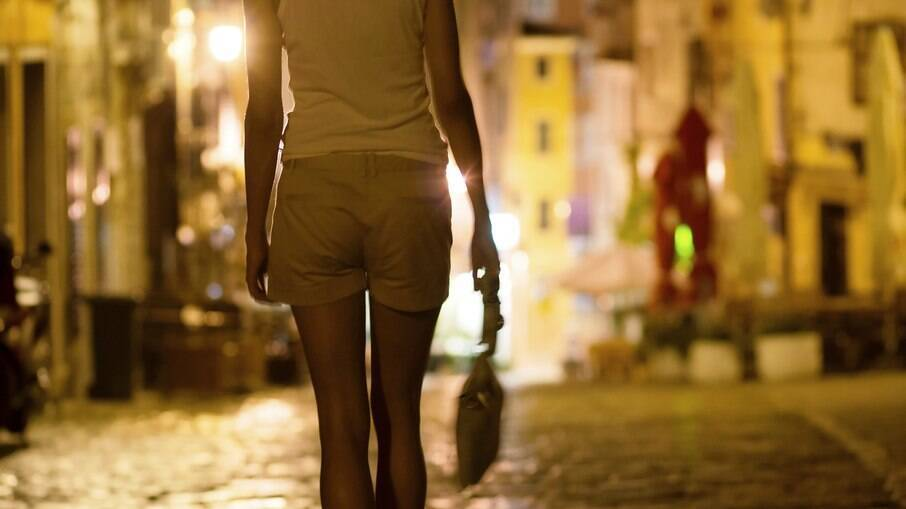 Mulheres são traficadas principalmente para exploração sexual