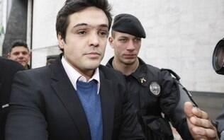 Ex-deputado que matou duas pessoas em acidente se entrega no Paraná