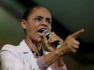 A candidata à Presidência da República pelo PSB, Marina Silva , durante encontro com lideranças sindicais na Casa de Portugal