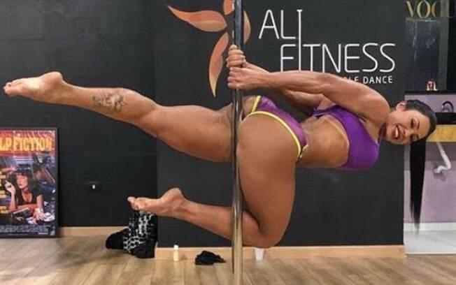 Gracyanne Barbosa irá fazer apresentação no pole dance