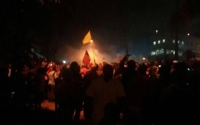 Bombas de efeito moral em manifestações pró-Lula deixa feridos, após a chegada do ex-presidente em Curitiba