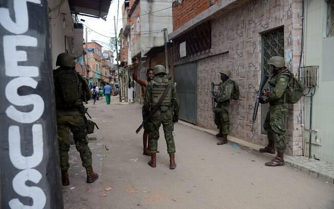Forças Armadas permanecerão no Rio de Janeiro até o fim do ano, período de vigência do decreto de intervenção federal