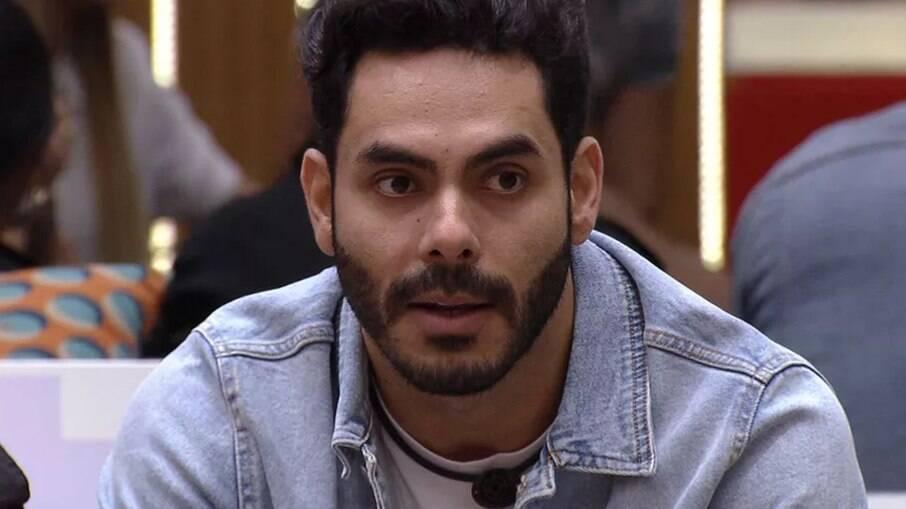 Rodolffo foi acusado de homofobia dentro do programa