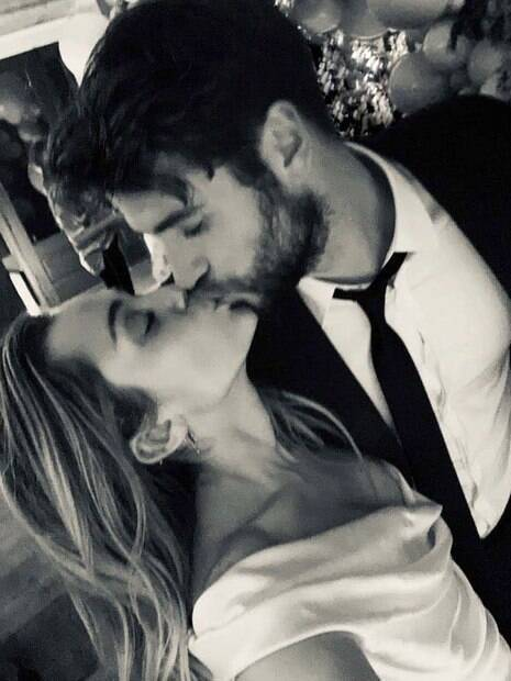 Miley Cyrus confirma casamento com Liam Hemsworth