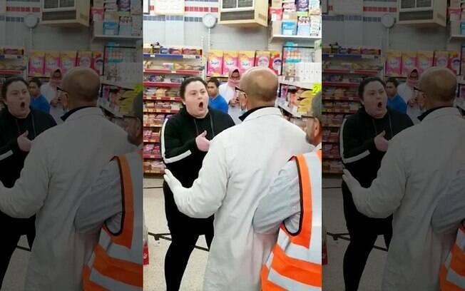 Mulher ataca funcionários no mercado