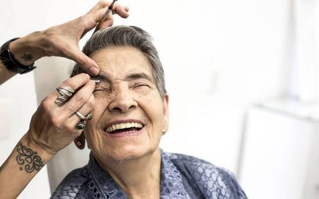 Mutirão da Beleza do Projeto Velho Amigo ocorre até quatro vezes ao ano, atendendo cerca de 100 idosos em cada edição