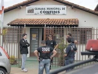 Fechamento. A operação realizada pela Polícia Civil de Minas provocou, ontem, o fechamento da Câmara e da Prefeitura de Confins