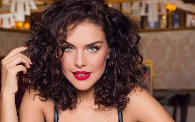 Paloma Bernardi fará live com o iG nesta quinta-feira (20)
